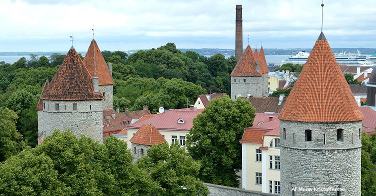 Tallinn middelaldermur - Ruby Rejser - af Mona Kristoffersen